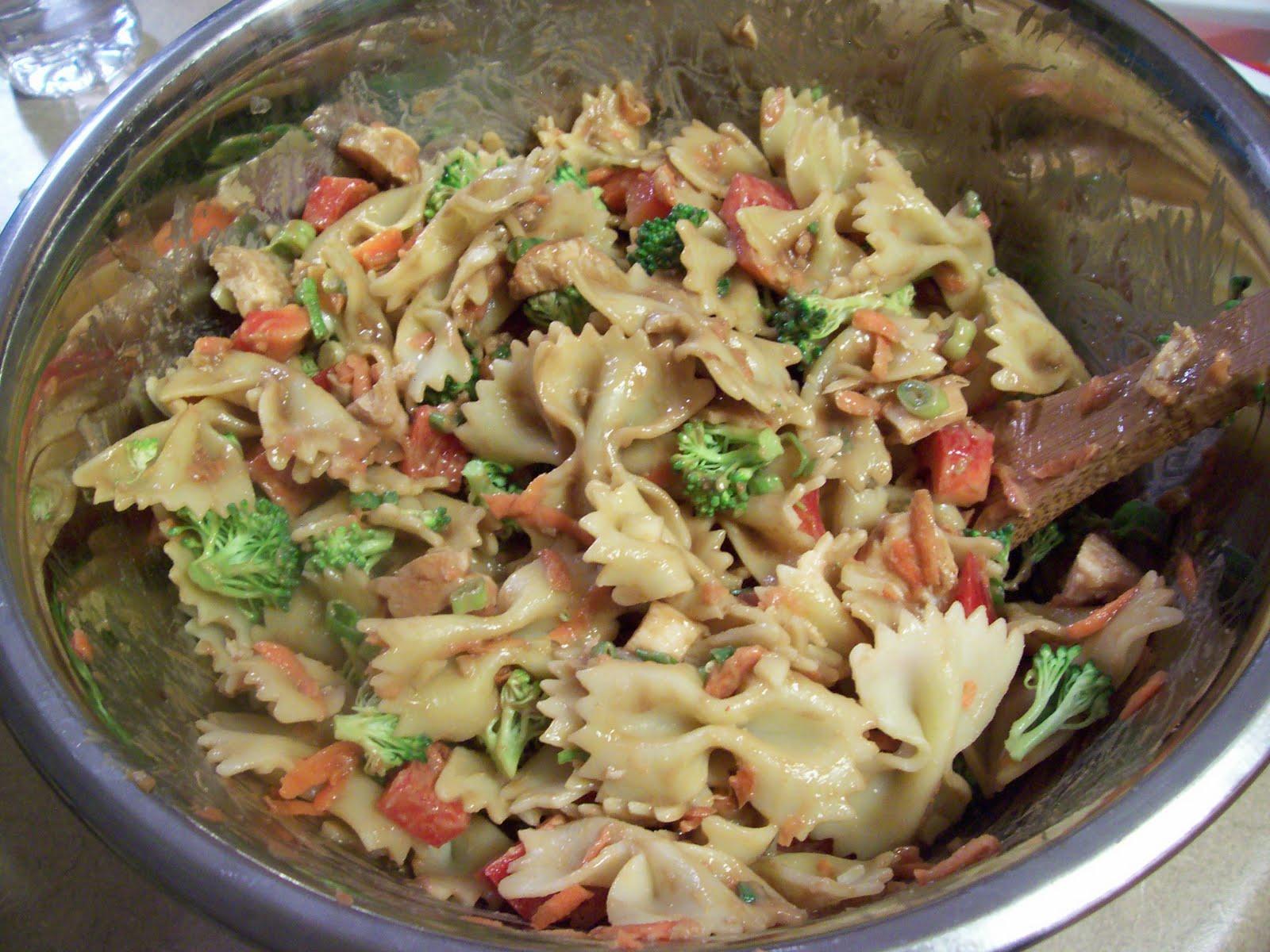 Easy cold italian pasta salad recipes dog breeds picture Pasta salad recipe cold