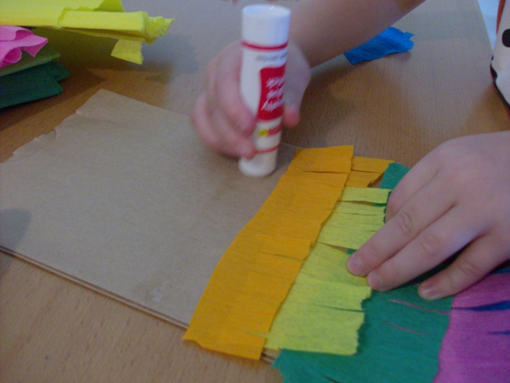 Cinco de Mayo Craft: Homemade Paper Bag Pinata