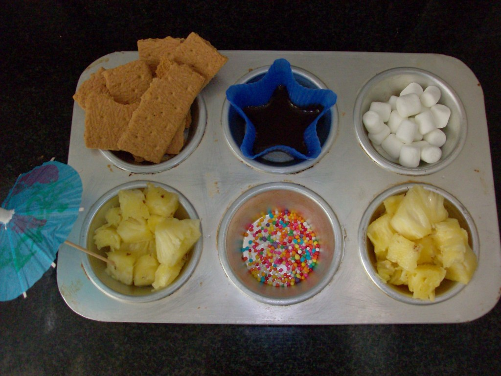 Muffin tin meal: fondue dessert tin