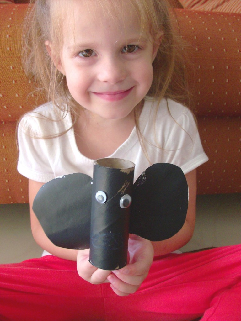 Halloween Kids Craft: Toilet Paper Roll Bat