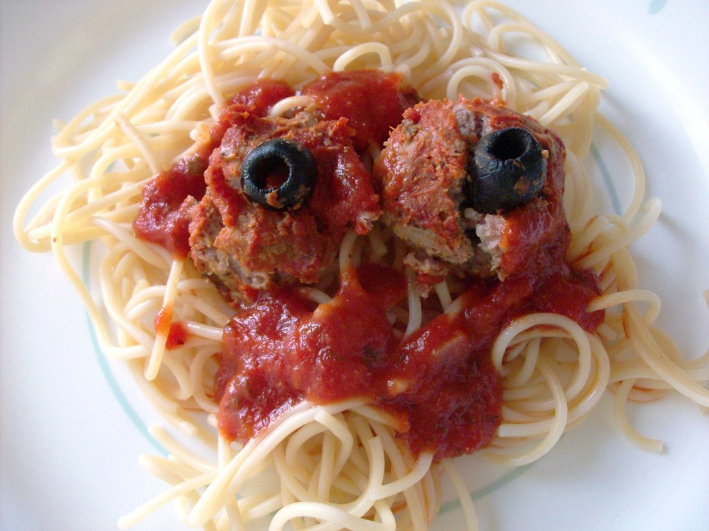Halloween Food: Bloody Eyeball Meatballs