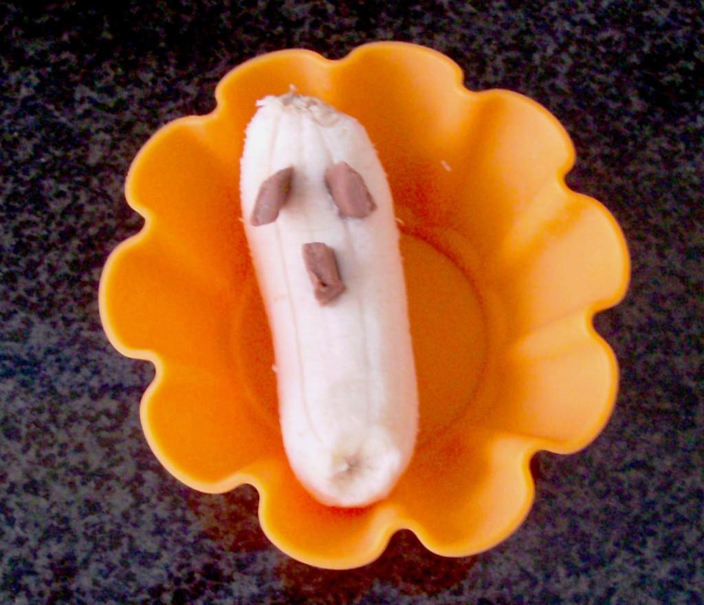 halloween muffin tin meal banana ghost snack