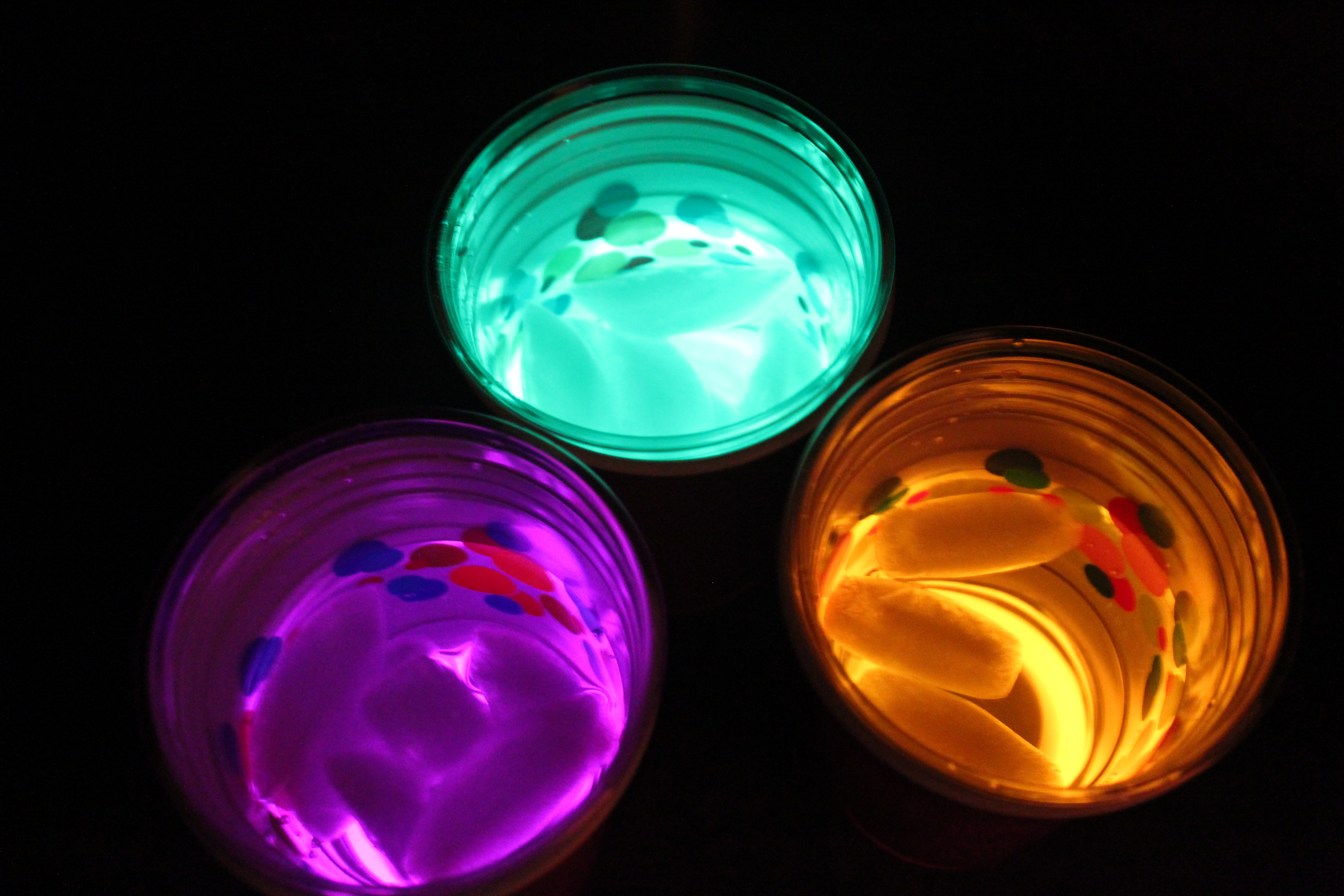 frugal sleepover fun: glow-in-the-dark cups - mommysavers