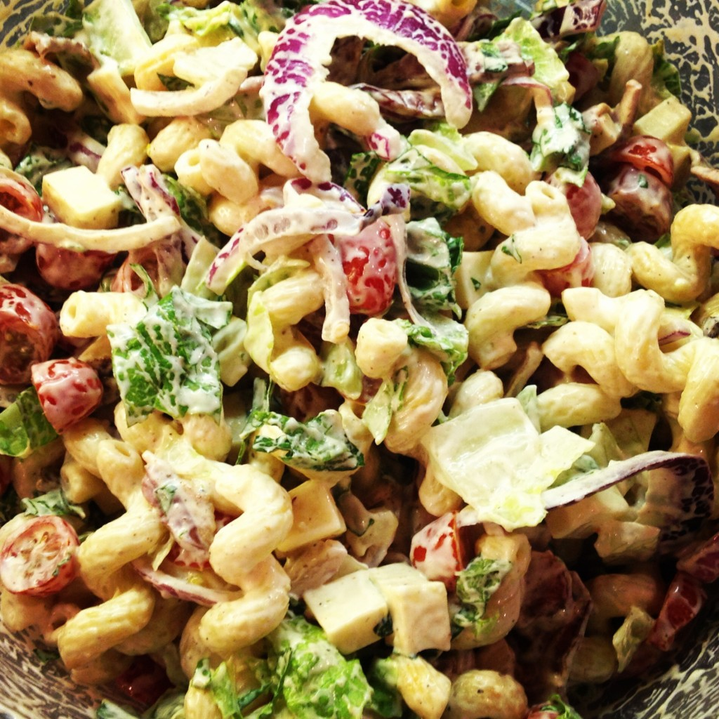 Bacon Ranch Pasta Salad - EVERYONE loves this recipe!