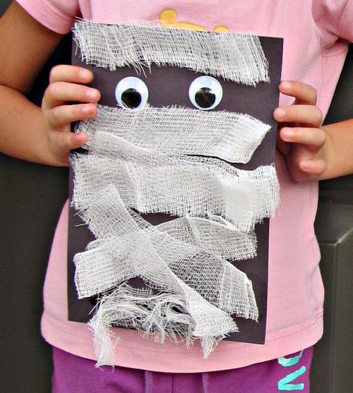 halloween gauze mummy craft
