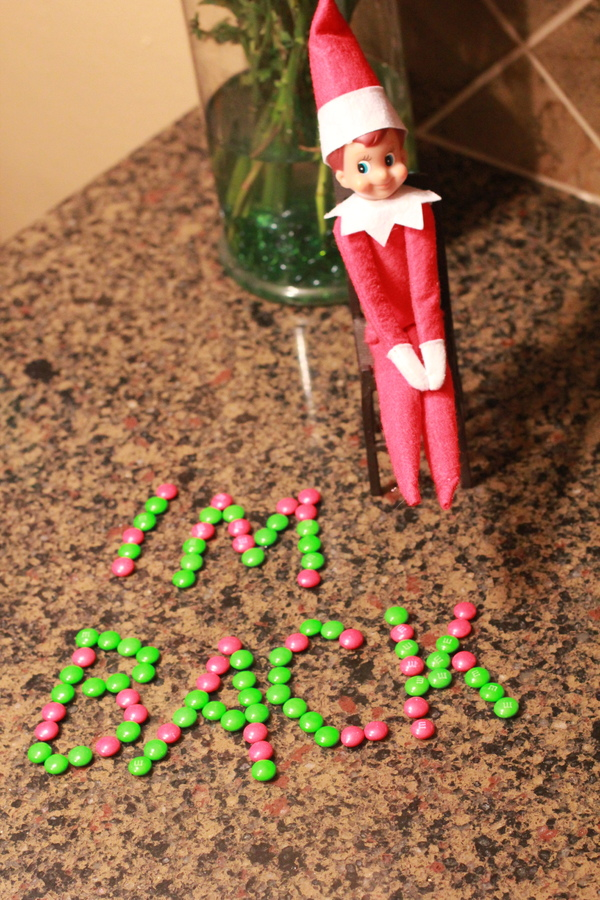 elf on the shelf ideas for arrival M&Ms