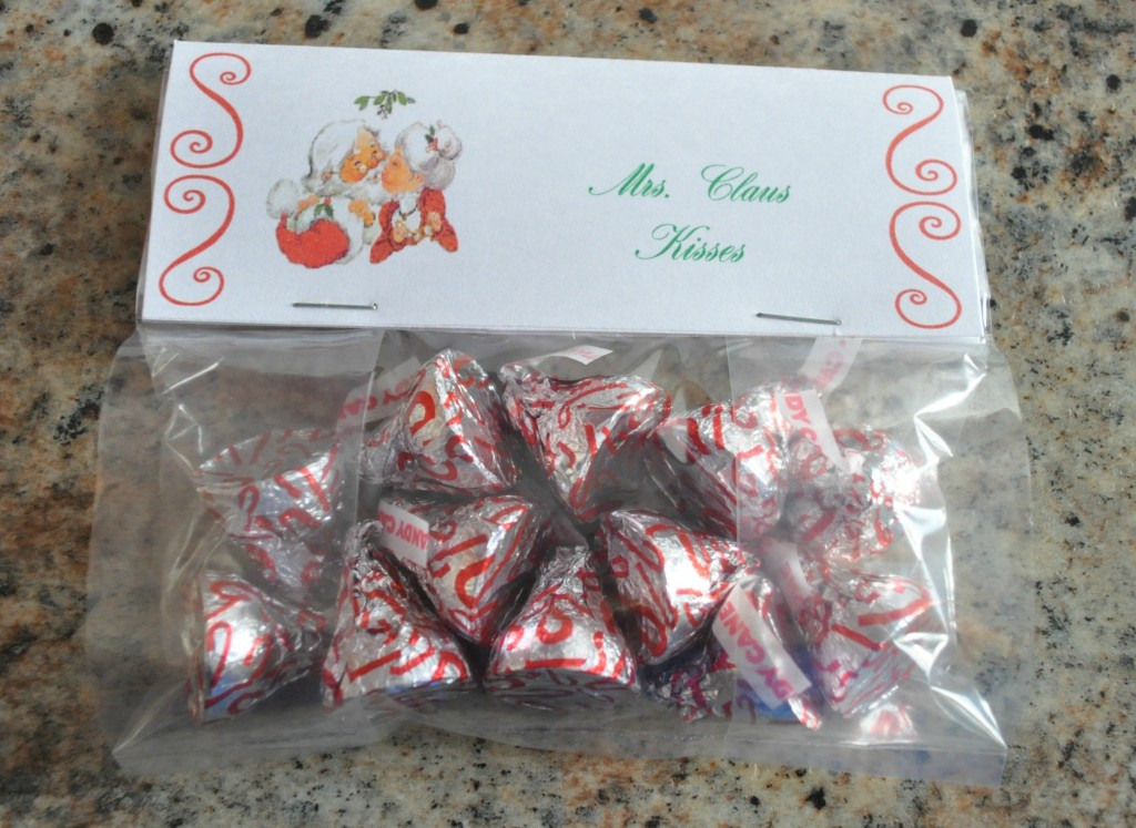 christmas treat bag ideas, mrs. claus kisses