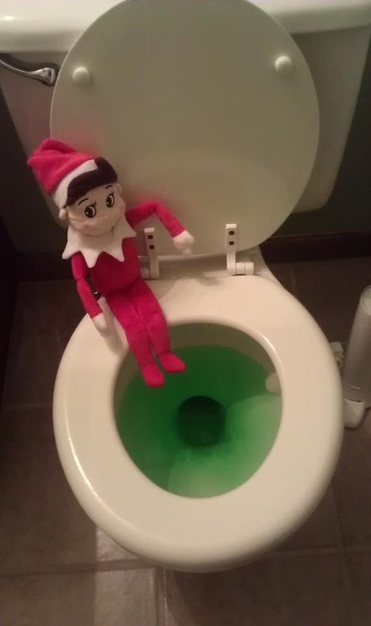 Elf on the Shelf Ideas - Mommysavers.com #elfontheshelf #elfontheshelfideas