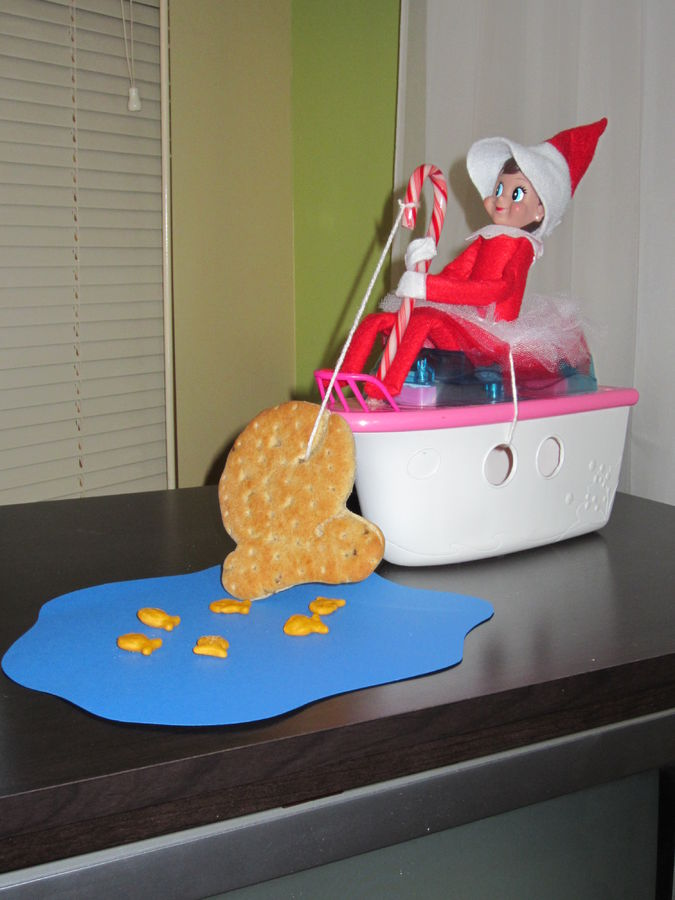 Funny Elf on the Shelf Ideas - Mommysavers.com #elfontheshelf #elfontheshelfideas