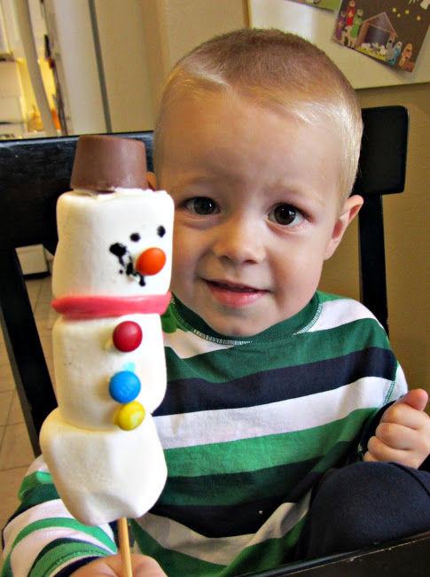 indoor winter activity marshmallow snowman